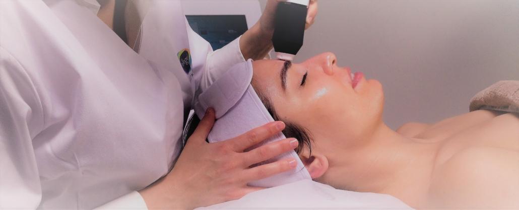 Die Behandlung mit GeneO+ verjüngt das Hautbild.