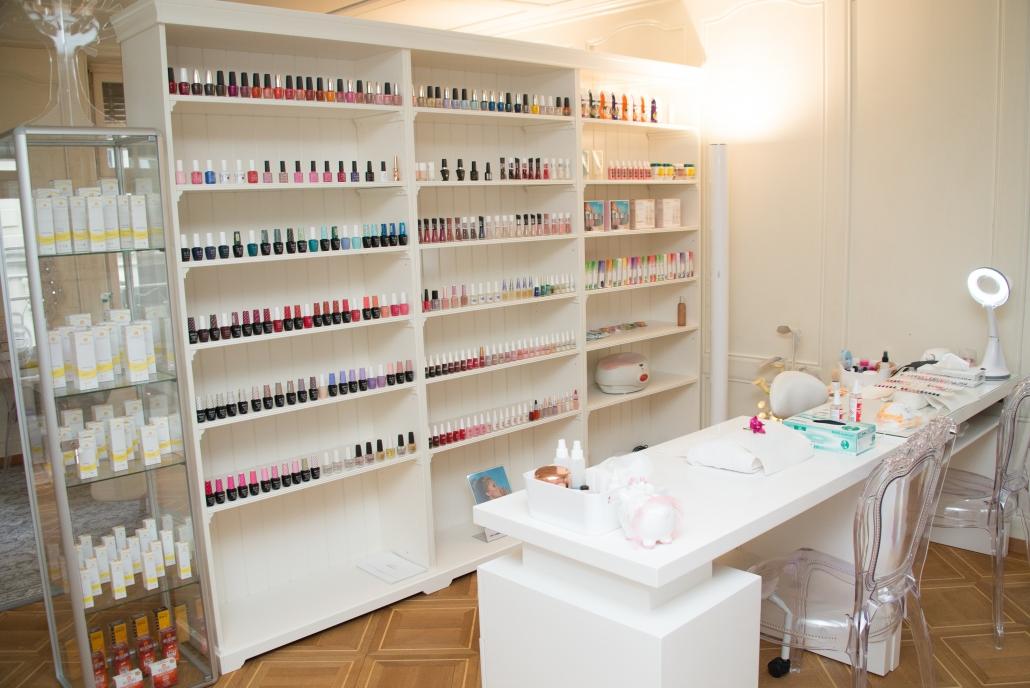 Für unsere Manicure können wir auf eine grosse Auswahl an Farben zurückgreifen. Unter anderem arbeiten wir mit den Produkten von OPI.